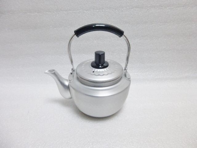 昔ながらの急須です。ステンレス茶こしつき。 アルミ 槌目 急須 1L リットルステンレス 茶こし 付 昔ながらのアルミの急須 こづち