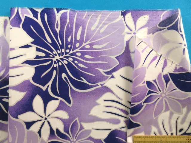 ハワイアン綿ポリプリント生地花/植物紫×白(110cm幅 4m)