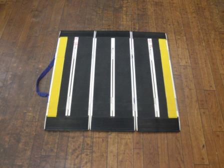 【中古スロープ】【長さ70×幅73.5cm】ケアメディックス デクパック車椅子・電動車いす用段差解消スロープ 【パーソナル】