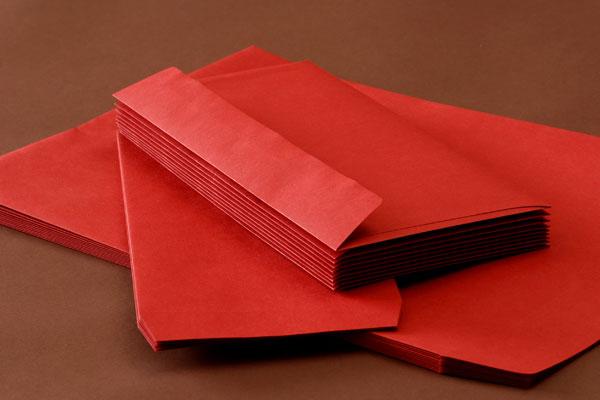 封筒 クラフトカラー封筒 角2 レッド 85g ヨコ貼 枠なし 500枚 kd0297