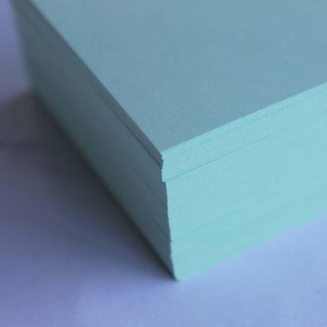 名刺 10面付 220枚 EC103 グリーン 【 名入れ 印刷なし 紙の販売です 】【10面付け( A4 サイズ ) スタンダード 220枚 】こちらの商品は切り取りミシン加工がありません。