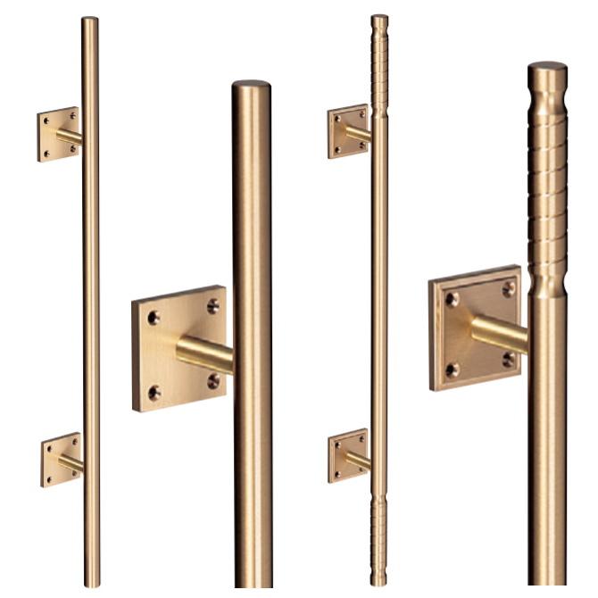 真鍮バーハンドル 木ネジ止め取手(2本組)取っ手 把手 シンプルで高級感のある扉用ドアハンドル 全長600mm