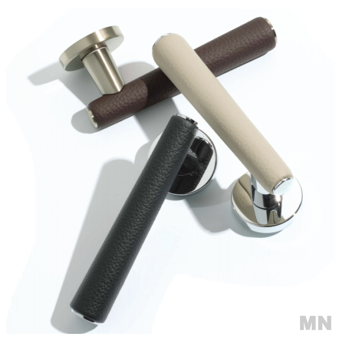 カワジュン製レバーハンドル MN 丸座 KAWAJUN 空錠・表示錠・間仕切錠 C3プレート外れたドアノブレバー交換修理は簡単DIY。握り玉からドアレバーに取替えて楽に開閉。トイレ用の錠付きドアグリップやかっこいいシンプルでモダンな取っ手に取り替え