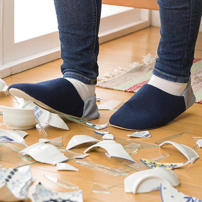 破片から足を守って防災に役立つ安心の室内履き防災 引き出物 公式 軽い 軽量 柔らかい 畳める 地震 災害 ルームシューズ 男性 女性 防災 踏抜き防止ルームシューズ