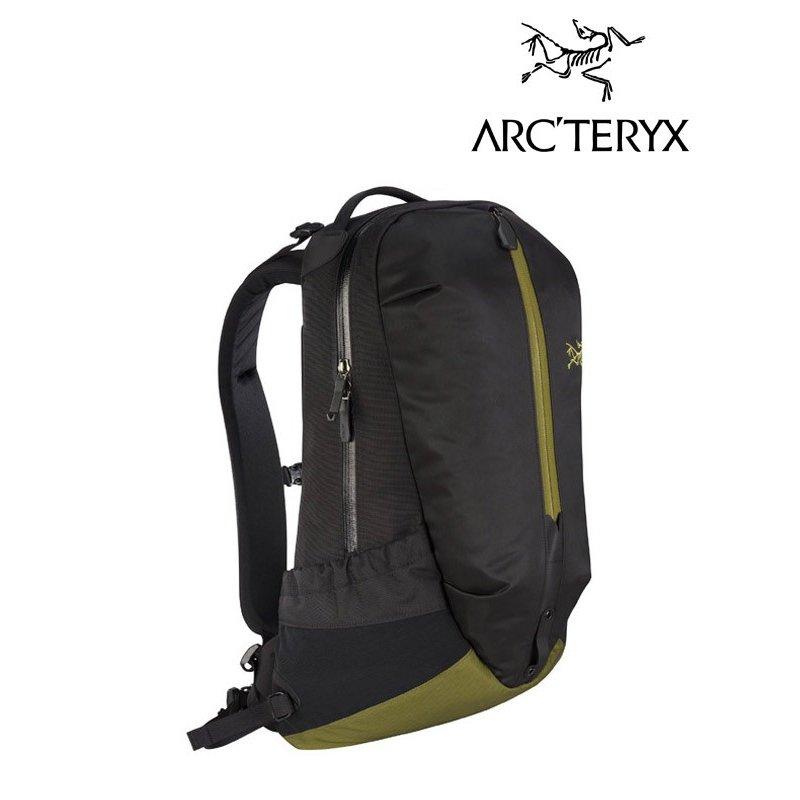 アークテリクス ARC'TERYX アロー 22 バックパック L07277200 24016 人気 ARRO 22 リュック ファッション 撥水 PC収納可 A4サイズ 22リットル ワイルドウッド Wildwood