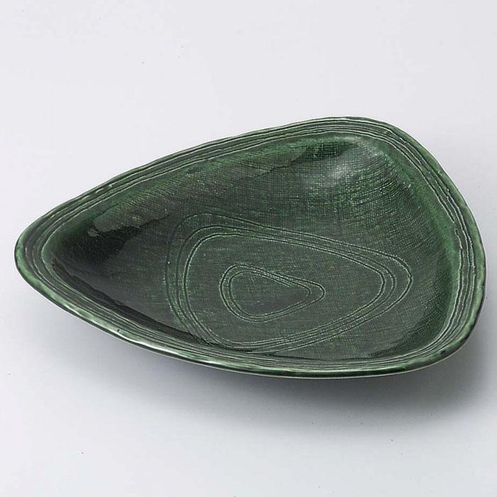 ちょっとめずらしい三角形のお皿です 織部 15cm 三角皿 優先配送 食器 正規品 日本製 美濃焼 取り皿 和食器 陶器 器 三角