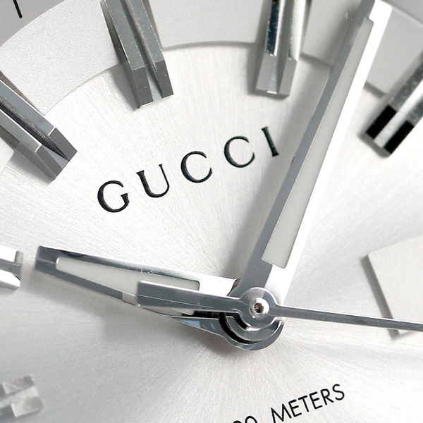 8b45be9ec81 Gucci clock Lady s GUCCI watch GG2570 collection 37mm silver YA142402