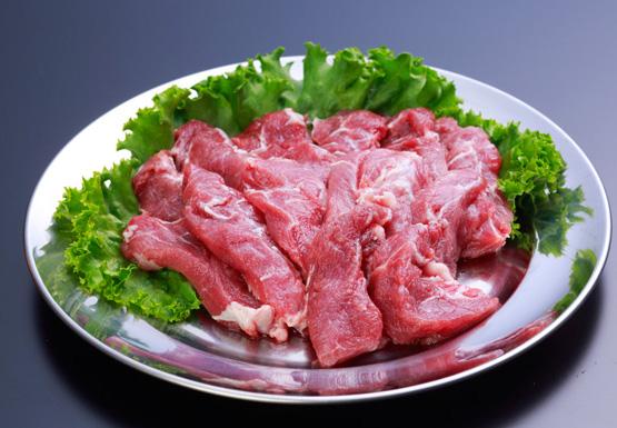 国産 受注生産品 豚コメカミ 2000g 弾力があり柔らかくジューシーな味わい ホルモン 豚頭 串焼きでも人気鹿児島 ナンチク 評判