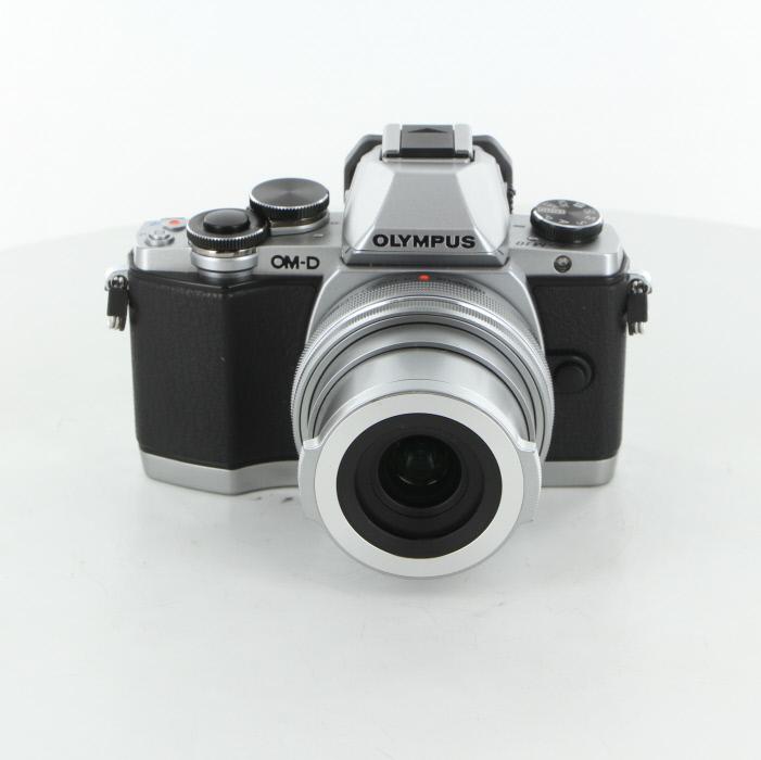 【中古】 (オリンパス) OLYMPUS OM-D E-M10+14-42/3.5-5.6EZ シルバー【中古カメラ デジタル一眼】 ランク:B