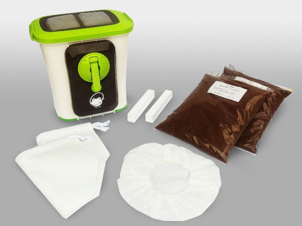 CO2削減に効果的 家庭でできる生ごみ処理 品質検査済 送料無料 SKS-101型 基本セット 自然にカエルS Seasonal Wrap入荷