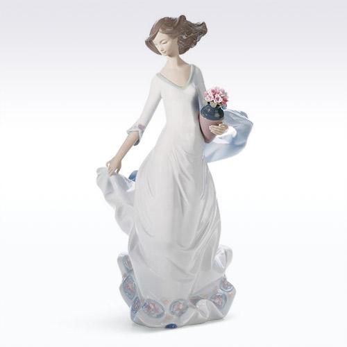 LLADRO リヤドロ 軽やかな足どり 8242 陶器人形 置物 乙女 花
