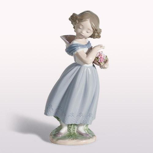リヤドロ LLADRO 光を浴びて 8247 陶器人形 置物 少女 女の子 花