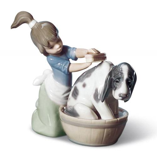 リヤドロ 安売り LLADRO きれいにしましょうね 5455 陶器人形 置物 少女 女の子 リアドロ 犬 動物 ストアー