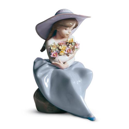 リヤドロ LLADRO 花の香りにつつまれて 5862 陶器人形 置物 少女 女の子 帽子
