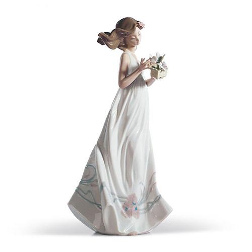 LLADRO リヤドロ 私の宝物 6777 陶器人形 置物 乙女 女性 貴婦人 花 蝶