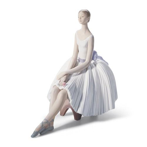リヤドロ LLADRO エレガンス 8243 陶器人形 置物 乙女 女性 バレリーナ バレエ