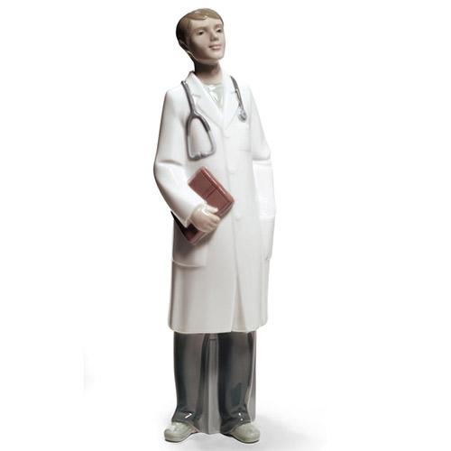 NAO ナオ すてきなドクター 1683 陶器人形 置物 リヤドロ姉妹ブランド 医者 開業祝い