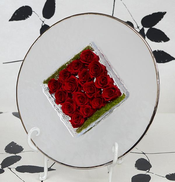 プリザーブドフラワーガラスプレートアレンジセンターローズ スクェア誕生祝い、母の日、父の日、敬老の日、結婚祝い