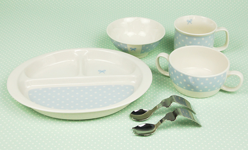 Tableware earthenware for the baby tableware child made in Rendezvous (rendezvous) first tableware six points set Japan