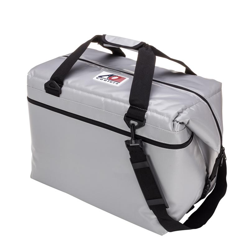 【送料無料】AO Coolers(エーオー クーラーズ) 48パック ソフトクーラー 45L シルバー AOFI48SL【SMTB】