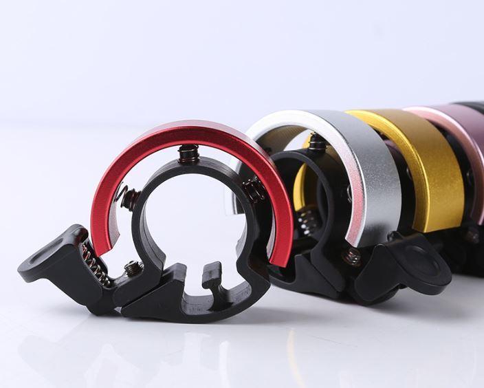 おしゃれなデザイン スタイリッシュ 自転車ベル 送料無料 自転車用 ベル アルミ リングベル サイクリング ロードバイク クロスバイク 永遠の定番 銀 ピンク ハンドルベル 最新アイテム 青 黒 かわいい 22mm リングタイプ 金 赤