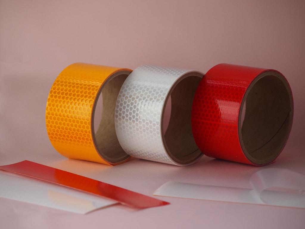 カプセルプリズム型 高輝度 再帰反射テープ 50mm×1M巻 赤 黄 片面テープ 爆売りセール開催中 訳ありセール 格安 対候性ニッカライト 交通安全用品 反射 反射テープ 白道路標識