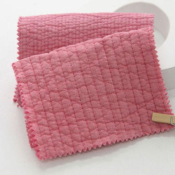 やわらかな風合いと滑らかな肌触り 店内限界値引き中&セルフラッピング無料 お洗濯をしてもかさ高が落ちにくく ボリューム感のあるキルティング生地 キルティング 7mm Indian Pink 手作りマット 5%OFF イブル ナチュラルコットンアンジェラ 商用利用可 ラインキルティング 布団