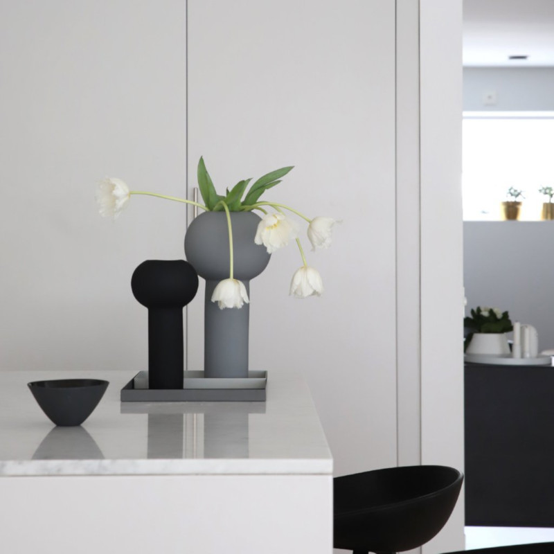 24cm Cooee Design Vase Pillar White