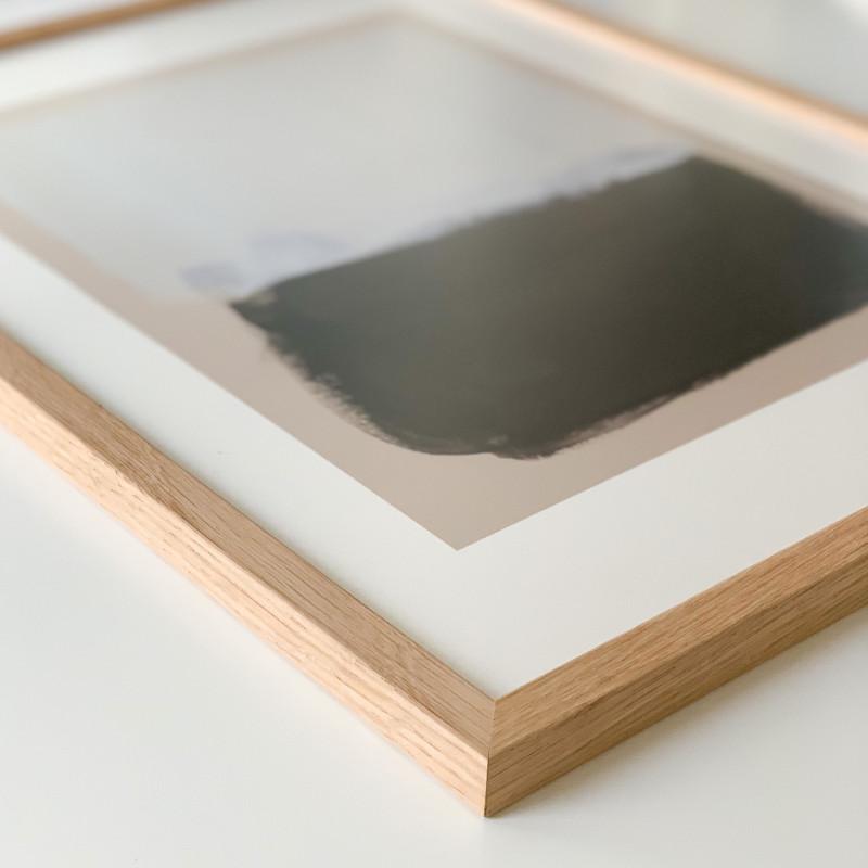 こんな木目のフレーム 探してた ポスターフレーム 木製 オーク 無垢材 格安 価格でご提供いたします 50x70cm 映り込みが少ない 低反射 アクリル板 イタリア製 モダン おしゃれ 安全 絵画 nest インテリア雑貨 アート 絵 北欧 インテリア 壁掛け