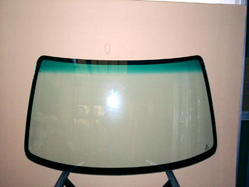 ☆ガラスメーカー製造のリヤガラス★おススメです! ☆フロントガラス☆品番:102072グリーンあり(ブルー)