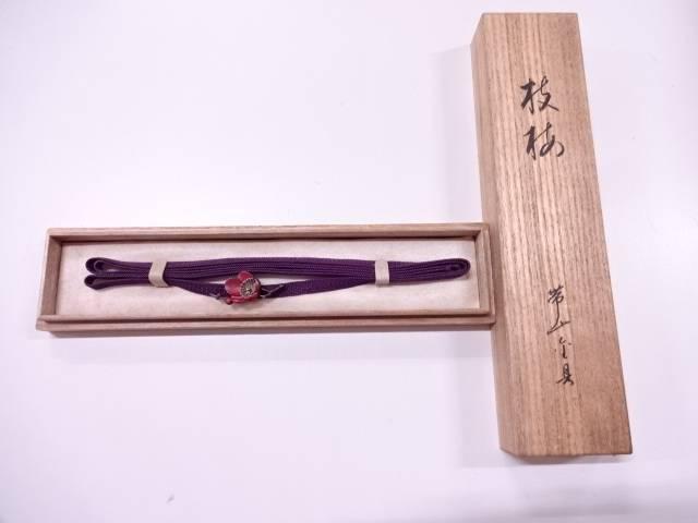 美和造 彫金枝梅帯留め(6.4g)【アンティーク】【中古】(リメイク・材料用)