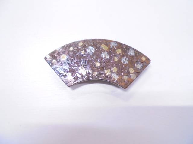 金銀象嵌彫金扇帯留め【アンティーク】【中古】