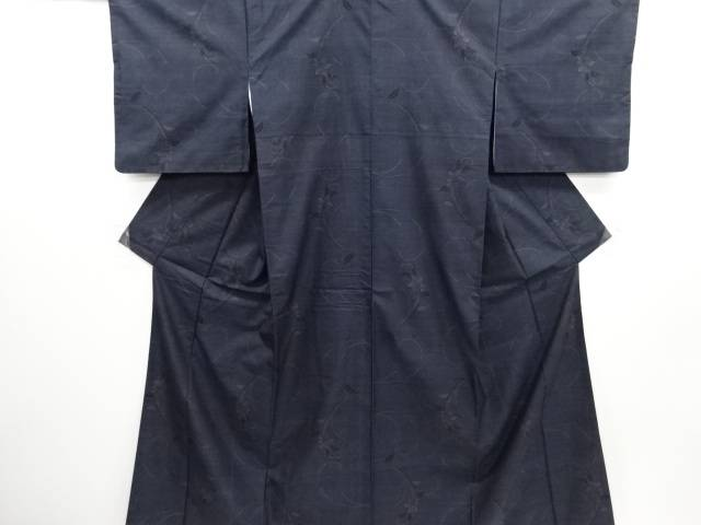 花唐草模様織り出し本場泥大島紬着物(7マルキ)【リサイクル】【中古】