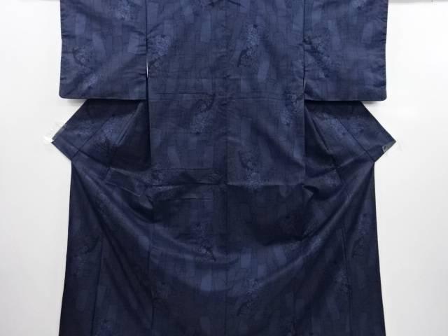 短冊に牡丹・菊模様織り出し本場泥大島紬着物(5マルキ)【リサイクル】【中古】