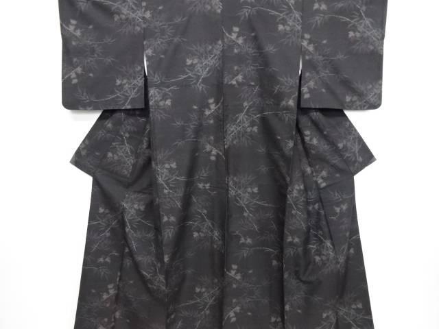 竹笹に蔦の実模様織り出し本場泥大島紬着物(7マルキ)【リサイクル】【中古】