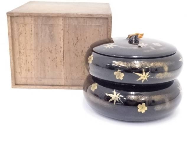 黒漆塗雲錦蒔絵丸二段重箱