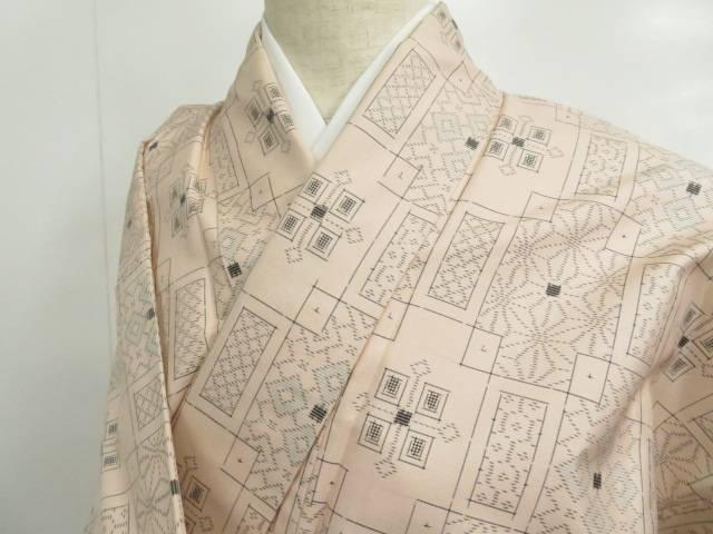 紬 幾何学に菱・麻の葉文 着物【リサイクル】【中古】