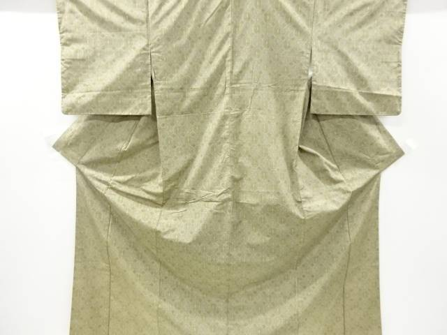 亀甲に抽象模様織り出し本場大島紬着物【リサイクル】【中古】