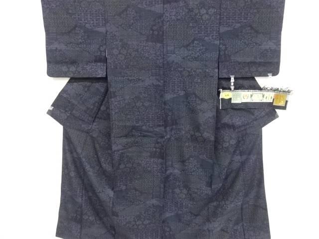 重要無形文化財本場結城紬100亀甲 花古典柄織り出し着物【リサイクル】【中古】