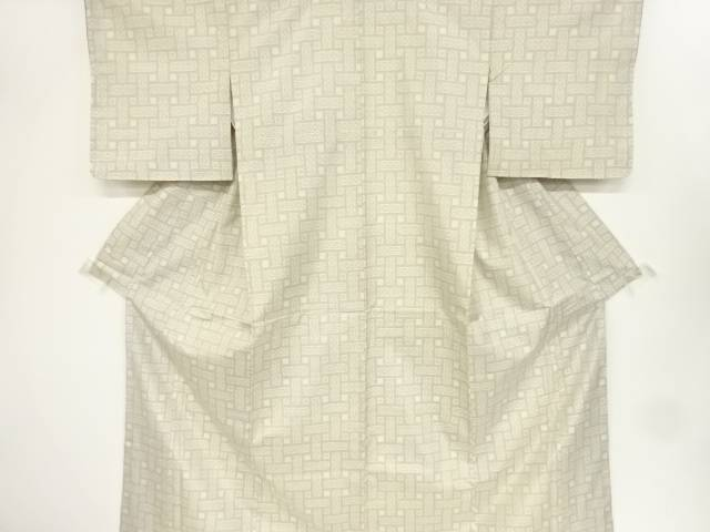 編目に菱模様織り出し本場白大島紬着物【リサイクル】【中古】