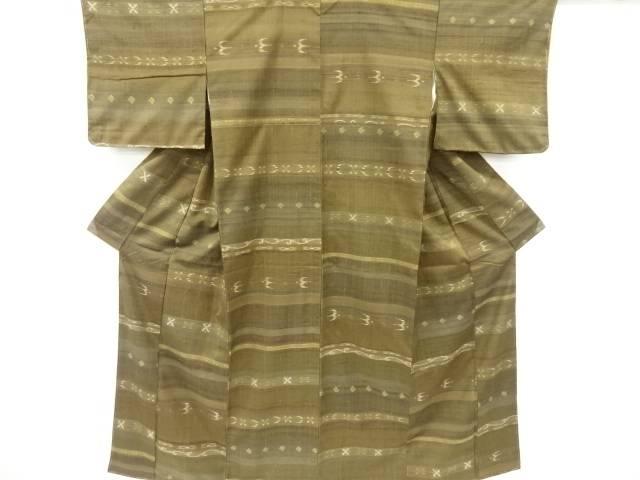 未使用品 仕立て上がり 横段に琉球絣柄織り出し手織り真綿紬着物