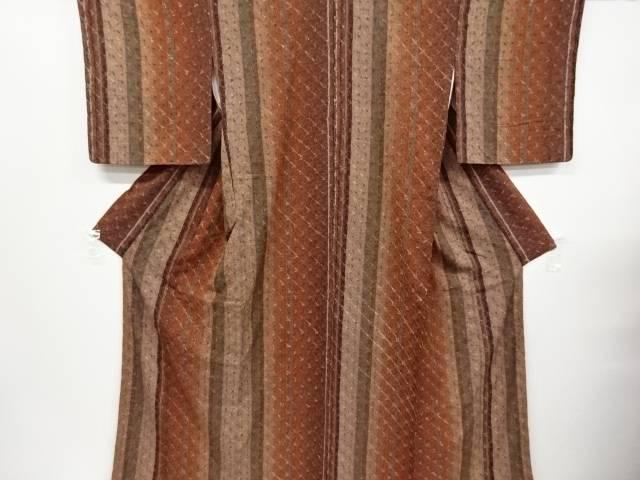 未使用品 仕立て上がり 本絞り斜め格子に縞模様織り出し手織り紬着物