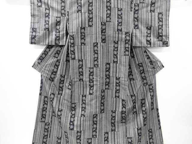 合計3980円以上の購入で送料無料 短冊に花模様織り出し手織り紬着物 売店 アウトレット☆送料無料 リサイクル 中古