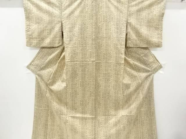 付与 合計3980円以上の購入で送料無料 幾何学模様本場大島紬着物 即出荷 中古 リサイクル