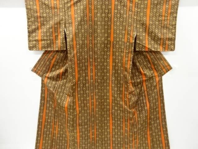 公式 合計3980円以上の購入で送料無料 代引き不可 未使用品 仕立て上がり 縞に井桁花模様織り出し手織り紬着物