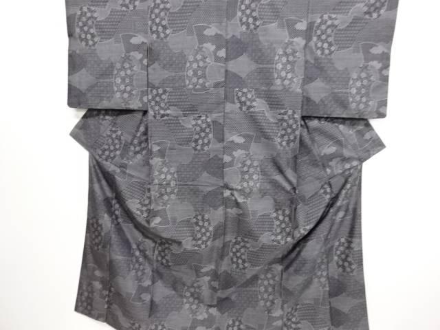 リサイクル 地紙に古典柄・花模様織り出し本場泥大島紬着物(9マルキ)【送料無料】