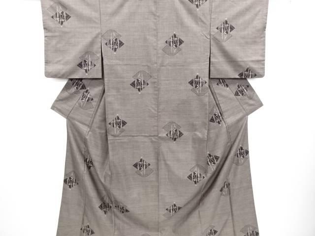 リサイクル 扇面に梅・竹模様織り出し本場泥大島紬着物(9マルキ)【送料無料】