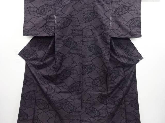 未使用品 仕立て上がり 地紙に花・レンガ模様織り出し本場結城紬100亀甲着物(石下)【送料無料】