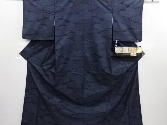 リサイクル 雲取りに古典柄織り出し本場泥大島紬着物(7マルキ)【送料無料】