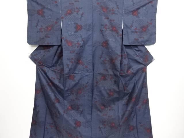 リサイクル 未使用品 雲取に古典柄・牡丹模様織り出し本場泥大島紬着物(5マルキ)【送料無料】